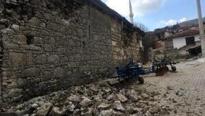 Son dakika... Bakan Kurumdan Manisadaki depremle ilgili açıklama: Pazartesi günü ödemeler başlayacak