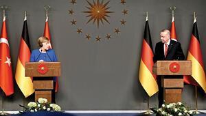 Merkel'le Hafter atışması