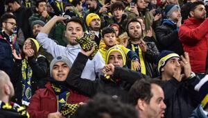 Fenerbahçeli taraftarlardan Elazığdaki depremzedelere destek