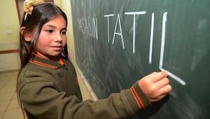 Okullar ne zaman açılacak 15 tatil ne zaman bitecek MEB 2020 takvimi