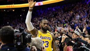 LeBron James tarihe geçti, yenilgiyi engelleyemedi | NBAde gecenin sonuçları