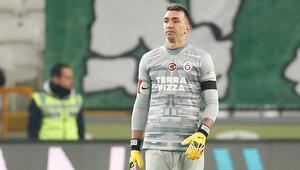 Galatasarayda Fernando Muslera duvar ördü
