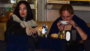 Dilan Gerede Erkaya kız arkadaşıyla yemekte