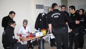 Tokat polisinden Kızılaya kan bağışı