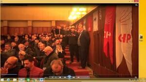 CHPli Köseden kongrede partiliye tepki: Dinleyip oturmuyorsa polis çağırıp çıkartın
