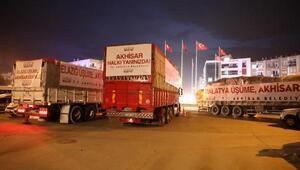 Akhisar Belediyesinin 3 araçlık yardımı Elazığ ve Malatyaya gönderildi