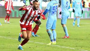Sivasspor-Rizespor maçına Yasin Öztekin damga vurdu Sosyal medyayı salladı