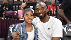 Hayranları Kobe Bryantın yasını tutuyor