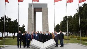 Bosna Hersek Büyükelçisi Sadoviç, Tarihi Alanı gezdi, şehitlikleri ziyaret etti