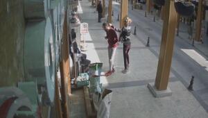 Uzaklaştırma kararı verilen husumetliye yumruk kamerada