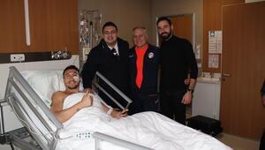 Adis Jahovic ameliyat oldu, sahalara dönüşü 4-6 hafta