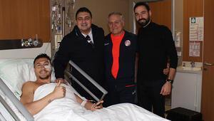 Antalyasporda Adis Jahovic elmacık kemiği operasyonu geçirdi
