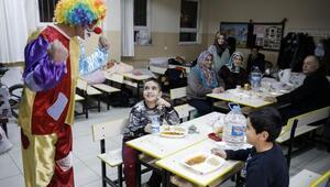 Depremzede çocuklara psikososyal destek veriliyor
