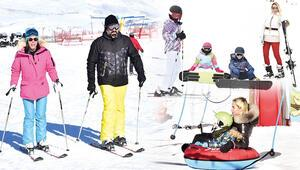 Ünlüler kar tatilinde