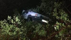 Otomobil şarampolden uçtu: 2 yaralı