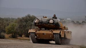 Hatay sınırına askeri araç sevkiyatı yapıldı