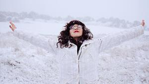 Kışın Cildinizin İki Kurtarıcısı: Güneş Koruyucu ve Nemlendirici