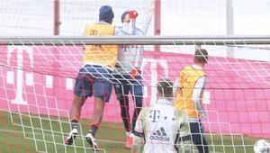 Son dakika | Bayern Münih antrenmanında Boatengten Goretzkaya yumruk