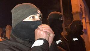 Kars'ta mahalle bekçilerinin zorlu kış mesaisi