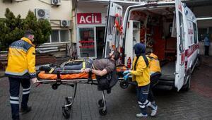 Beyoğlunda otomobiline binmeye çalışan kişiye silahlı saldırı