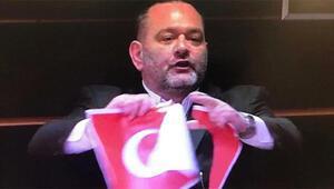 Son dakika haberler... Türk Bayrağını yırtan vekile bir tepki de Yunanistan Dışişleri Bakanlığından