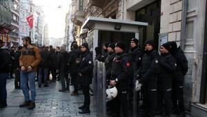 Yunanistan Başkonsolosluğuna siyah çelenk bıraktılar