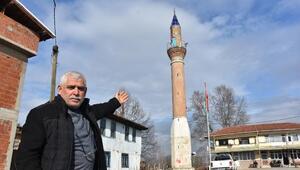 Camisiz minare mahallenin sembolü oldu