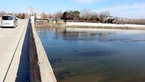 Suları çekilen Meriç Nehri'nde tarih ortaya çıktı