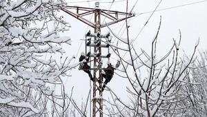 Enerji arıza ekipleri zorlu kış şartlarıyla mücadele ediyor