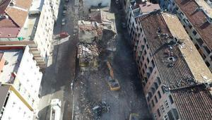 Bağcılardaki riskli binalar yıkılıyor