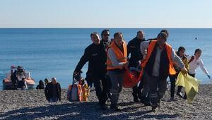 Boğulma tehlikesi geçiren kişiyi deniz polisi kurtardı