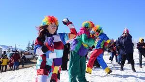 Mersinde ilk kez düzenlenen Kar Festivalinde renkli görüntüler
