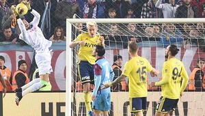 Trabzonspor-Fenerbahçe maçında tartışmalı 2 karar
