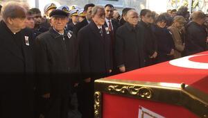 Eski Deniz Kuvvetleri Komutanı Vural Bayazıt son yolcuğuna uğurlandı