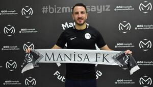Konyaspordan ayrılan Ali Çamdalı Manisa Futbol Kulübüne imza attı