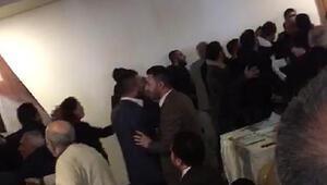Erzurumda CHP kongresinde arbede