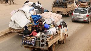 Son dakika haberler: İdlibe saldırılar nedeniyle 40 bin sivil daha Türkiye sınırı yakınlarına göç etti