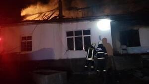 Konyada tek katlı ev yandı