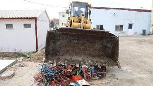 Edirnede Çin malı tartılar kepçeyle ezilerek, imha edildi