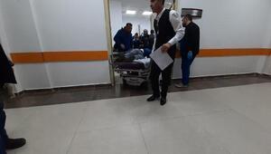 Adıyamanda işçilerin taşındığı servis minibüsü devrildi: 15 yaralı