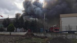 Manisada plastik oyuncak fabrikasında yangın