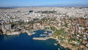 Antalyada her milletten insan yaşıyor