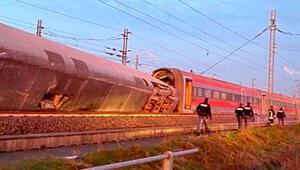 İtalyada hızlı tren kazası