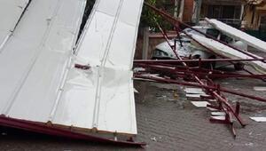 Rüzgar apartmanın çatısını uçurdu