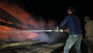 Erzurum'da çıkan yangında 4 ev ve 3 ahır yandı