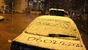 Manisada kar yağışı ulaşımı engelledi