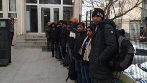 Keşanda 12 kaçak göçmen yakalandı