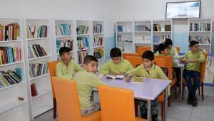 Şehit polis adına okula kütüphane