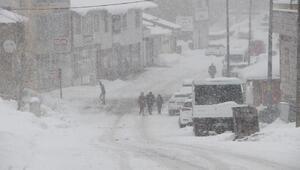 Karlıovada kar esareti 5 gündür çocuklar okula gidemiyor