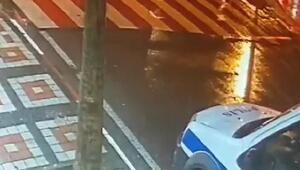 Yaya geçidindeki kadına elektrikli bisikletin çarptığı kaza kamerada